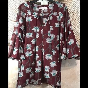 🌺NWOT Pretty Floral tunic